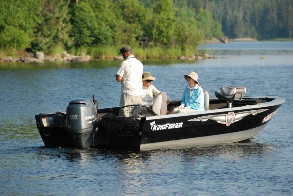 Guide boats silver water wheel lodge for Lac seul fishing