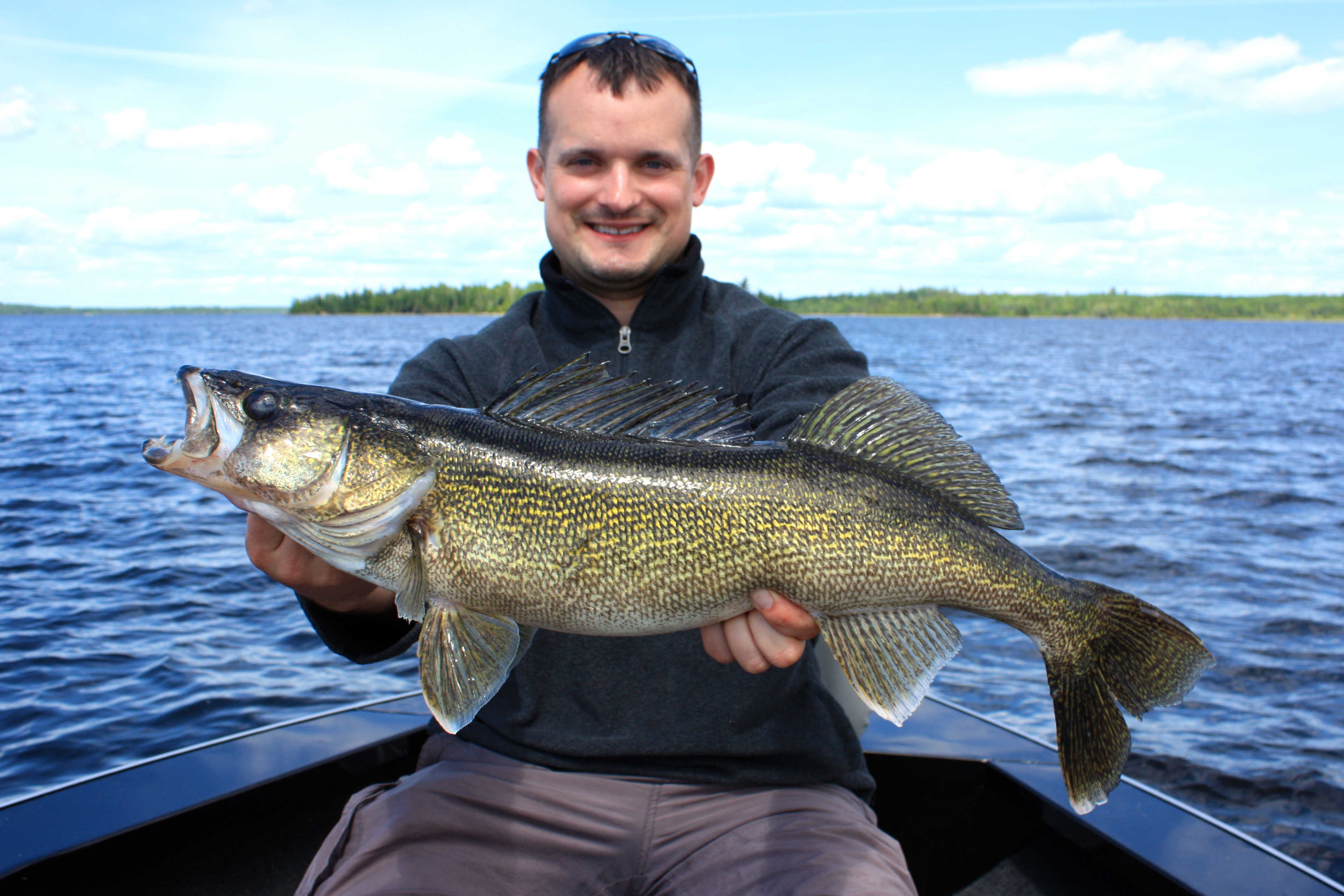 Nate damasius 28 silver water wheel lodge for Lac seul fishing report