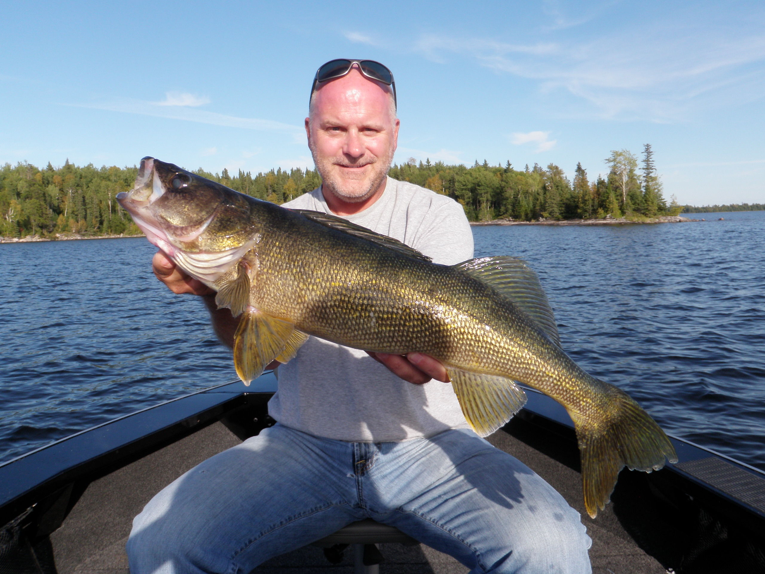 Joe geelan 27 silver water wheel lodge for Lac seul fishing report