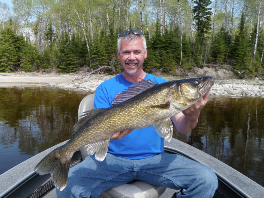 May 30 2014 silver water wheel lodge for Lac seul fishing report