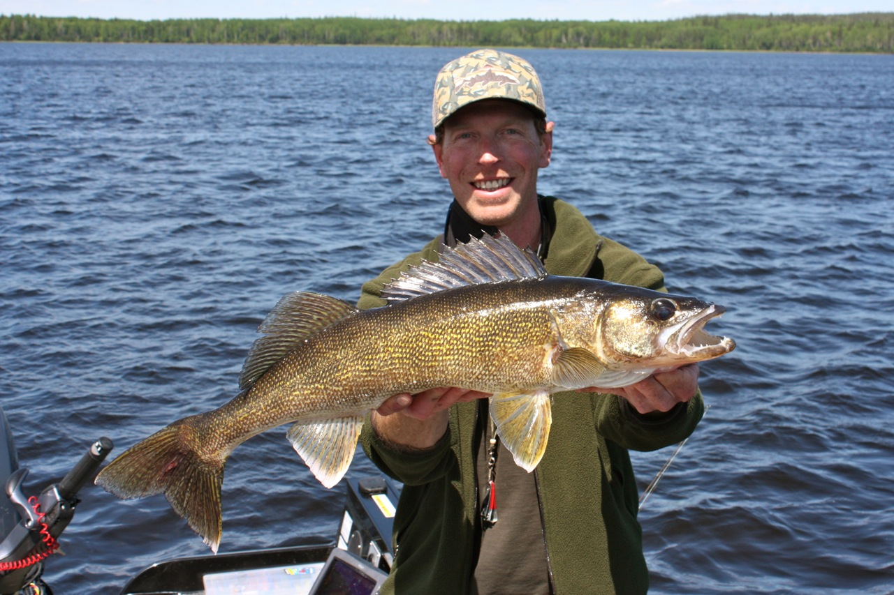 Jesse 29 silver water wheel lodge for Lac seul fishing report